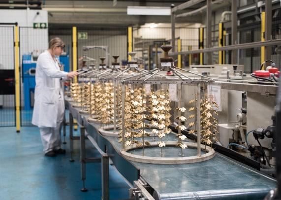 Taller de Tous con piezas de oro