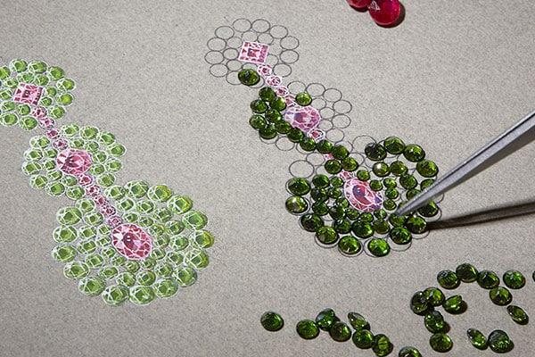 Piedras verdes y rosas